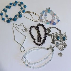 Lot of Vintage Jewelry: 7 Necklaces
